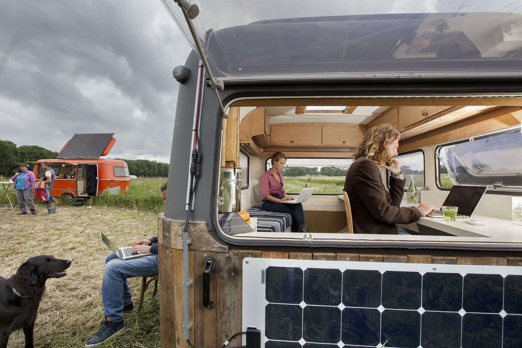 kantoor caravan, werken in de vrije natuur